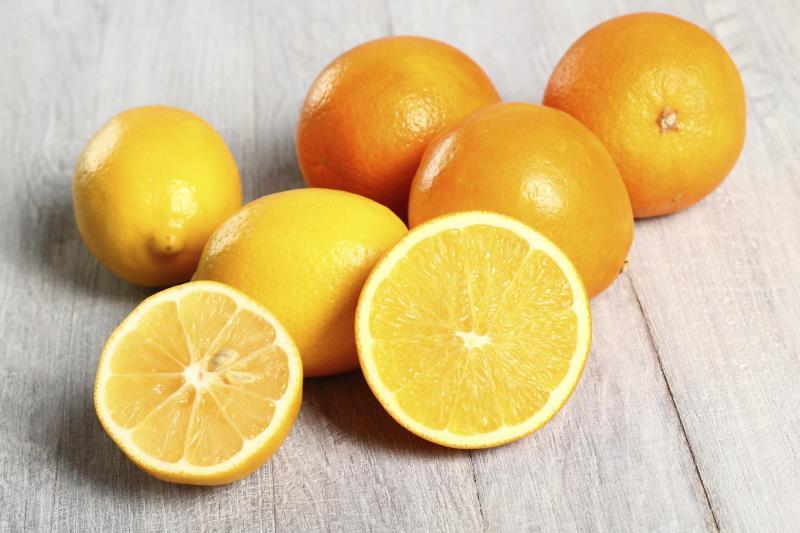 Masticating Juicer lemons